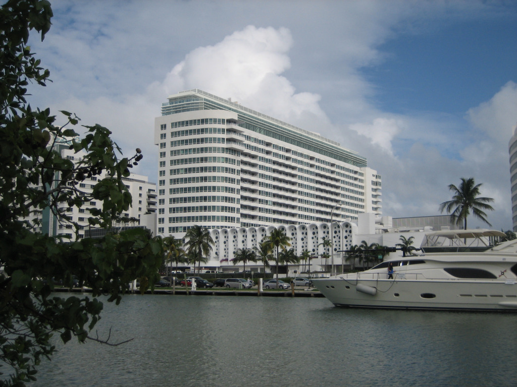 Versailles Hotel Miami Beach - VIP Suites Addition. South West view.